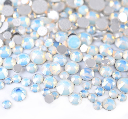 Strass white opal